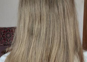 Ioana-inainte-de-Henna-Mandala-Aramiu-pe-par-blond-natural-min