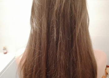 Oana-inainte-de-vopsire-cu-Henna-Mandala-Blond-pe-par-natural