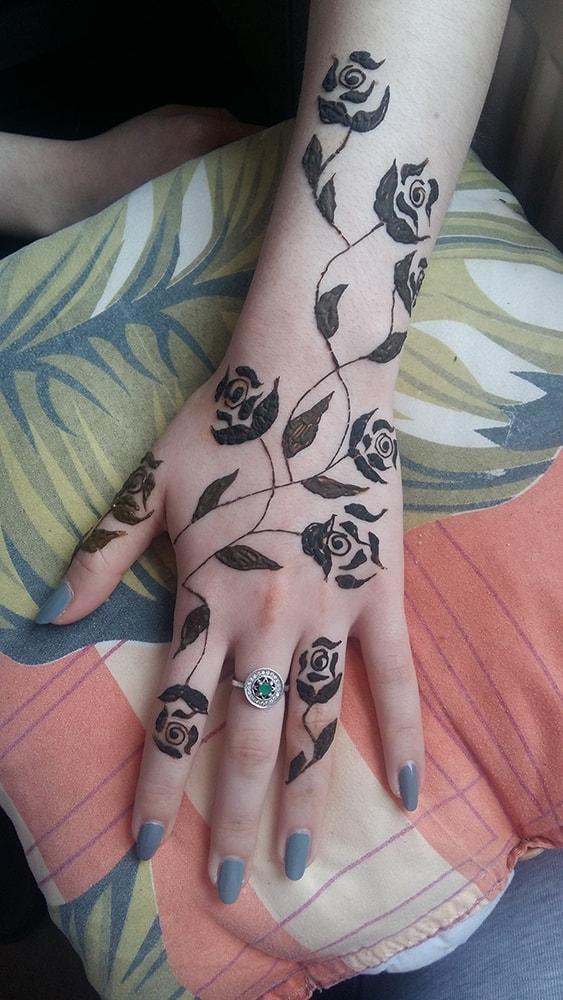 Vopsea henna pentru tatuaje