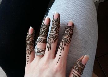 Tatuaj henna mandala Mariana 2-min