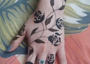 Tatuaj henna mandala Mariana 3-min